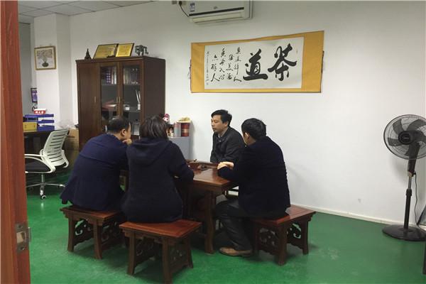 看!深圳塑胶模具厂与郑州客户因模具千里结缘——博腾纳
